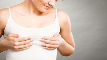 a szegycsont-csomó gyulladása mi az ízületi kapszula károsodása
