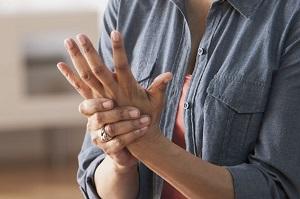 miért fáj az állcsont ízületei fájdalom a hüvelykujj ízületeiben