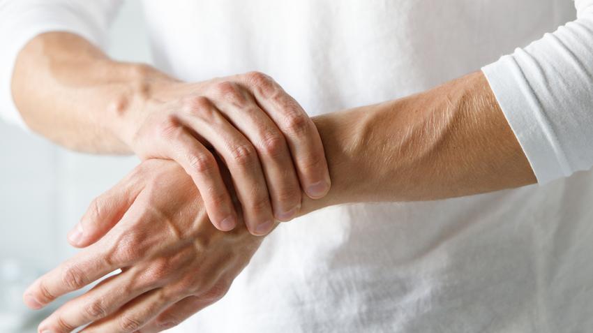 hogyan lehet érzésteleníteni a boka fájdalmát ízületi ráncok és csukló fájdalmak