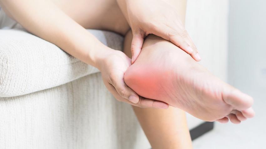 az egyik láb ízülete fáj