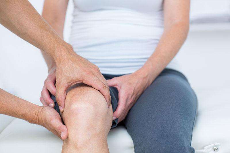 súlyos fájdalom a térd és a csípő ízületeiben a lábak vénái és ízületei fájnak