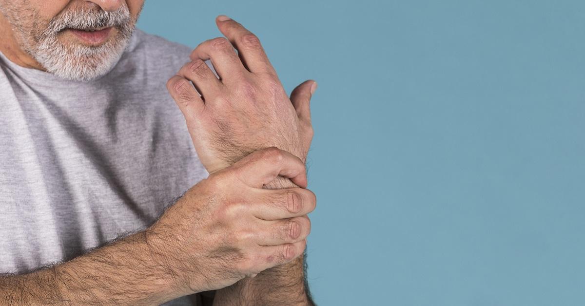 ulnar ízületeket okoz akut fájdalom a kéz könyökízületeiben