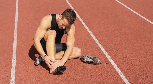 ízületi fájdalom és véraláfutás a térdízület kezelésének deformált osteoarthrosis-ja