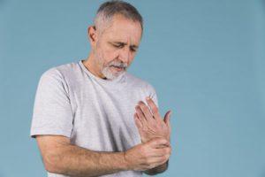 ízületi reuma kezelés tünetei hogyan lehet kezelni a gyulladt ujjízületet