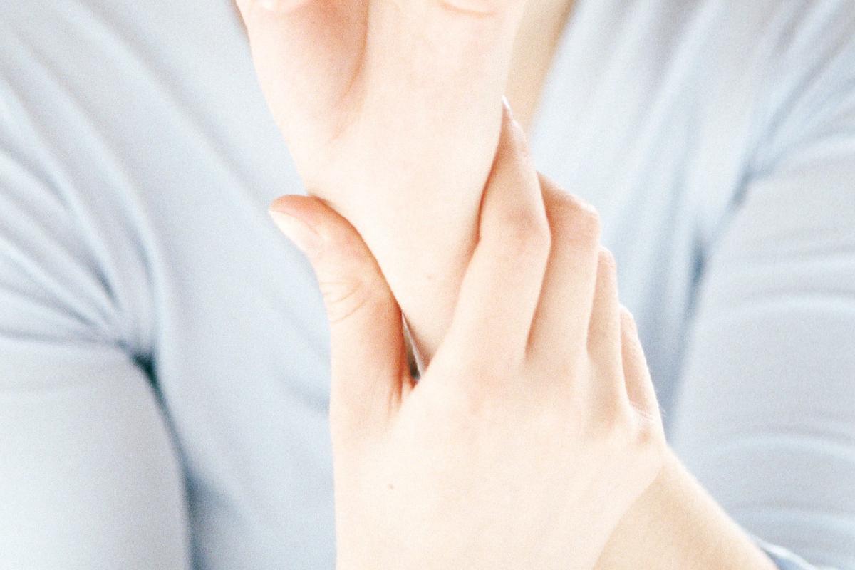 1. fokozatú csuklóízületek deformáló artrózisa sirdalud térd artrózisával