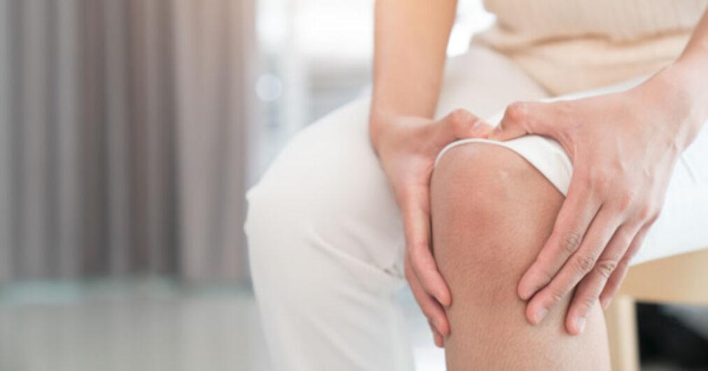 növekedési hormon kezelés artrózis esetén miért fáj a láb a térdízületben